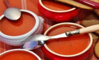 Китайский суп из помидоров - вкусный и аппетитный. Действительно полезная и здоровая кухня.